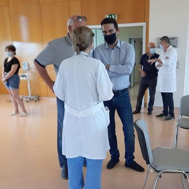 Μιχάλης Κατρίνης: Το τείχος ανοσίας είναι εθνικός στόχος- Επίσκεψη στα εμβολιαστικά κέντρα του Γ.Ν. Πύργου
