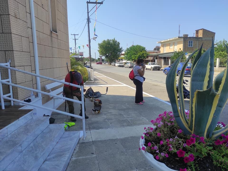 Σύλλογος νέων Καταραχίου - Αγία Μαρίνα: Πραγματοποιήθηκε την Τρίτη 13/07 καθαρισμός - καλλωπισμός γύρω από την εκκλησία και τους δρόμους σε συνεργασία με την Υπηρεσία Πρασίνου και το Γραφείο Εθελοντισμού του Δήμου Πύργου