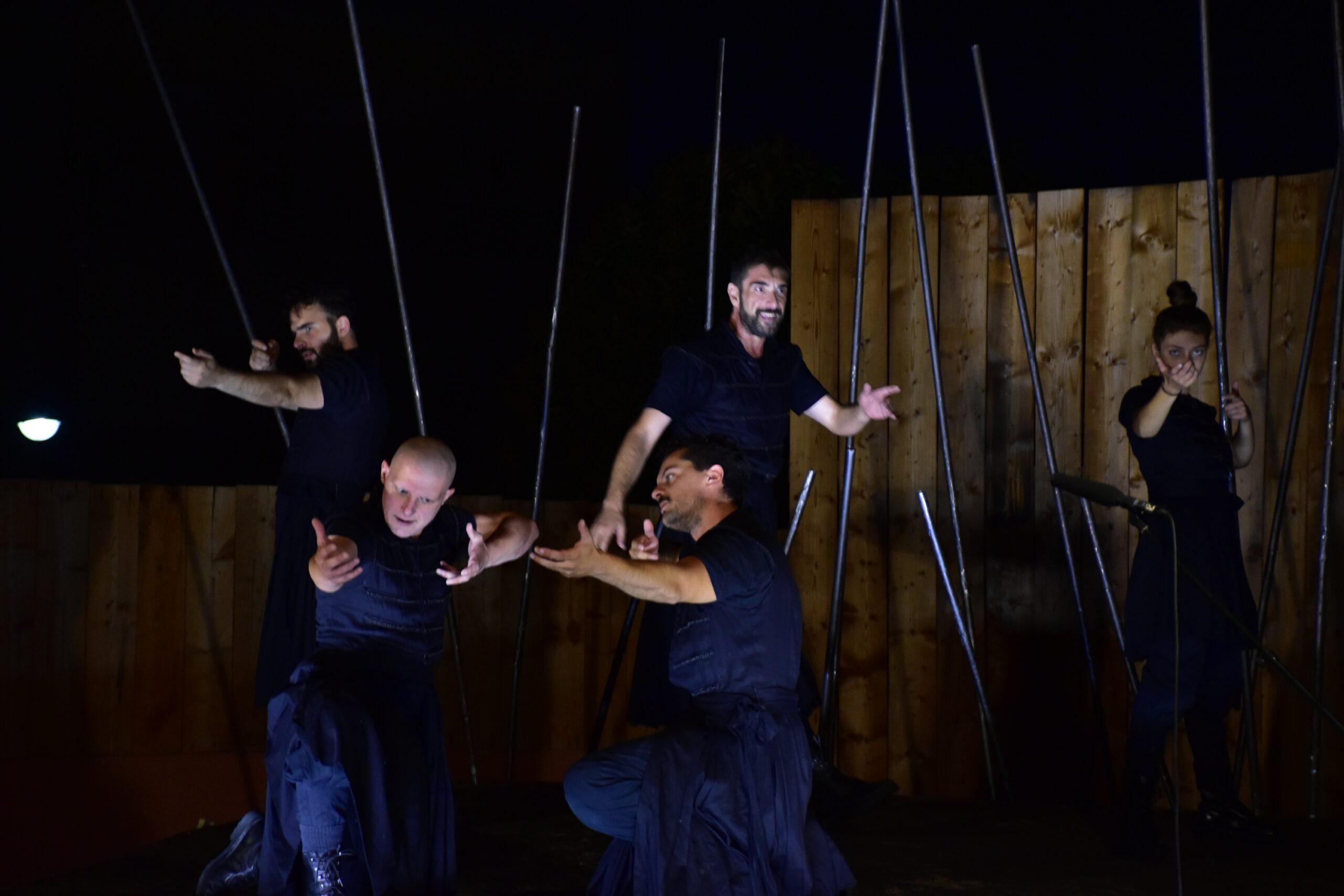 """Αμαλιάδα: Καθήλωσε το κοινό στην Οικία Τατάνη η παράσταση """"Ελευθερία, ο ύμνος των Ελλήνων"""" από το ΔΗ.ΠΕ.ΘΕ. Πάτρας"""