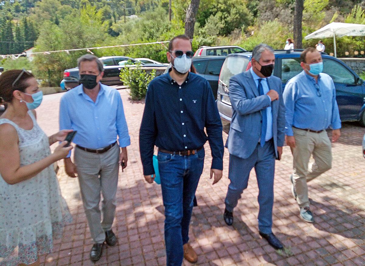 Αρχαία Ολυμπία- Γεωργιόπουλος προς Καρβέλη: Θέλουμε λύσεις για παιδίατρο - ασθενοφόρο (photos)