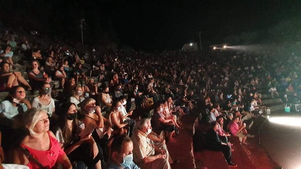 ΠΔΕ: Με επιτυχία πραγματοποιήθηκε στο Θέατρο Φλόκα Ολυμπίας η παράσταση «Μία κόρη τ' αποφάσισε»- Νίκος Κοροβέσης: «Με σωστές συνεργασίες πραγματοποιούνται δράσεις υψηλής ποιότητας» (photos)