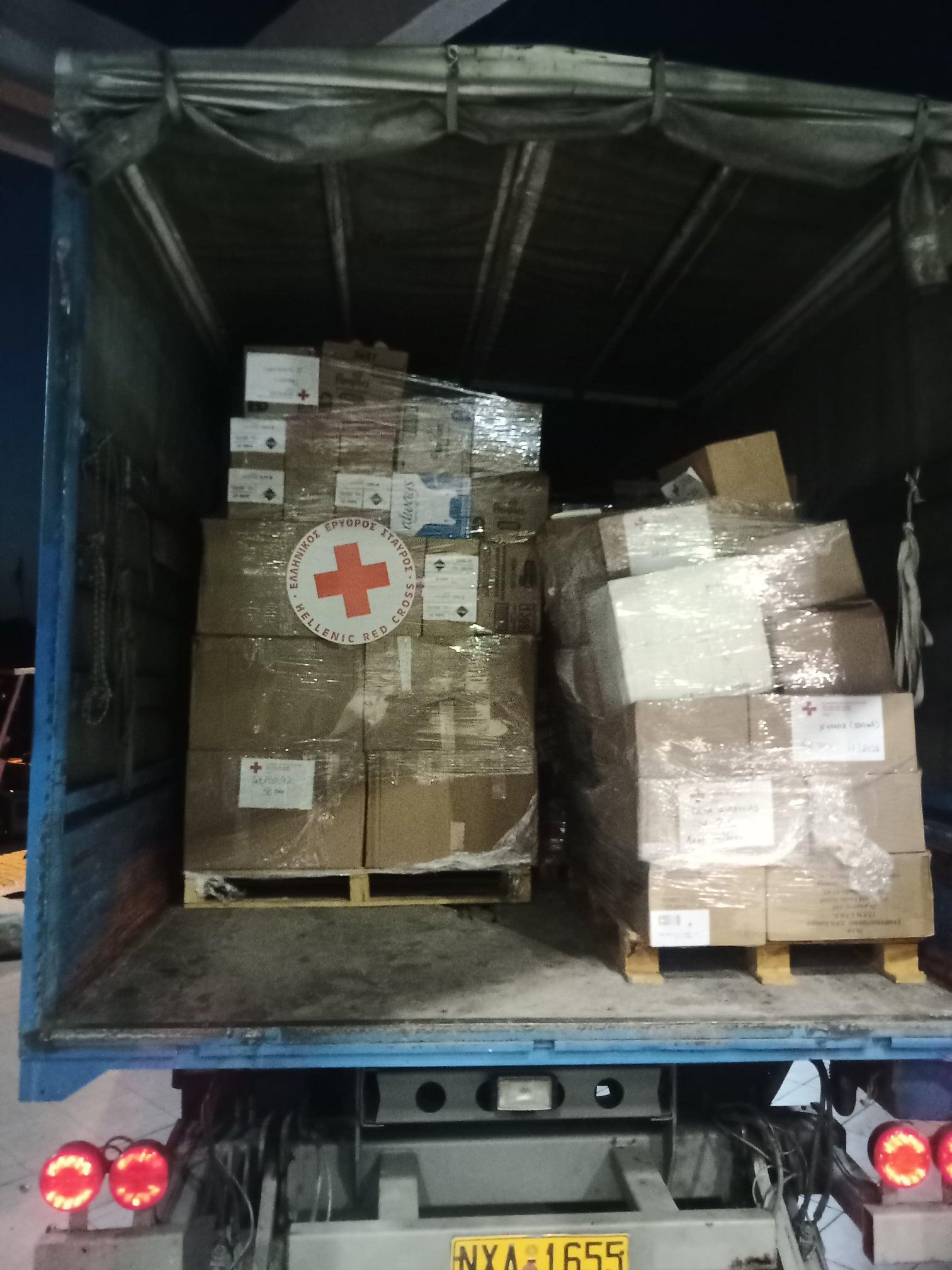 Πύργος: Τρία φορτηγά με νερά και είδη πρώτης ανάγκης για τους πυρόπληκτους της Ηλείας από τον Ελληνικό Ερυθρό Σταυρό