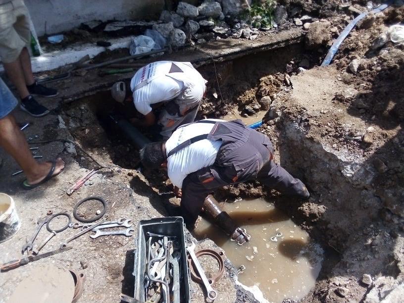 Άμεση αποκατάσταση της βλάβης στον κεντρικό αγωγό στη Κοινότητα Κάστρου με επέμβαση του Δημάρχου Ανδραβίδας-Κυλλήνης Γ. Λέντζα